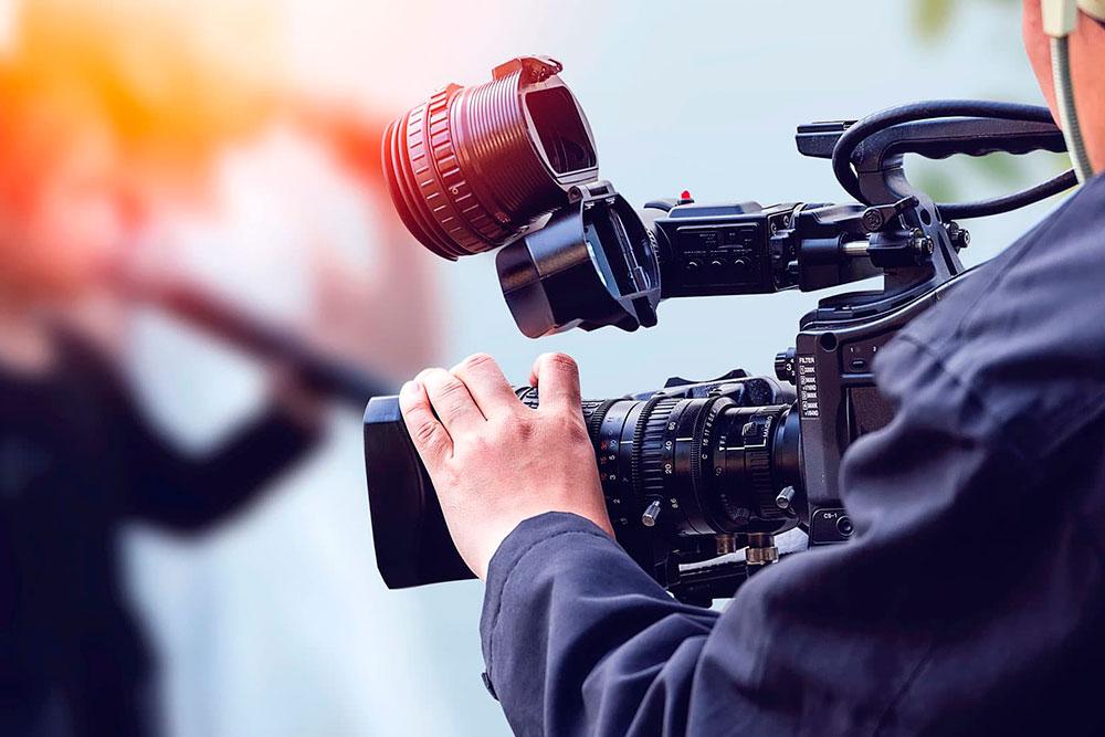 ¿Qué diferencia hay entre cinematografía y dirección de cine?